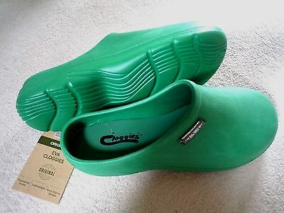 NEW Town & Country green CLOGGIES--Size 7 adult.