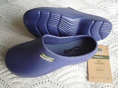 NEW Town & Country blue CLOGGIES--Size 8 adult.