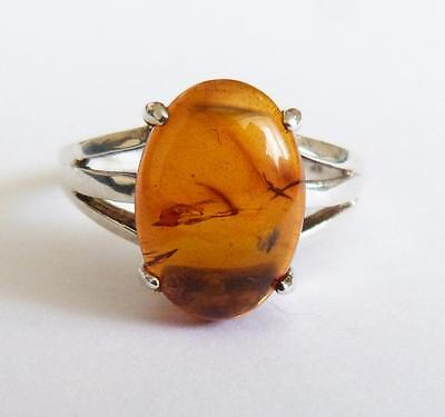 STUNNING VINTAGE STERLING SILVER & LARGE AMBER RING - Size T