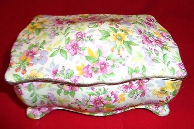 """Royal Winton """"Estelle"""" Footed Candy Box. Good Condition.   (897)"""