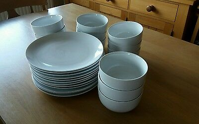 Set Of 12 White Porcelain Plates And Bowls - Great For Party / Dinner