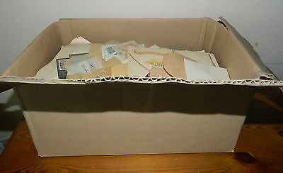 4kg WORLD STAMPS ACCUMULATION IN BOX FOR SORTING