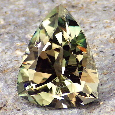 GREEN DICHROIC OREGON SUNSTONE 3.42Ct FLAWLESS-FOR TOP JEWELRY!