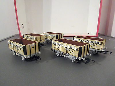 hornby new out of sets x5  4 wheel breedon and cloudhill 7 plank mineral wagons