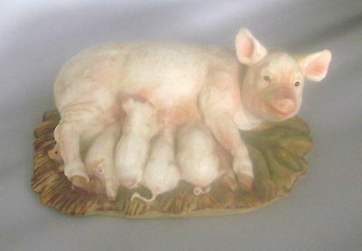 """HOMCO Masterpiece Porcelain Pig Figurine Sow w/ 5 Piglets 1985 Signed Pigs 7"""""""