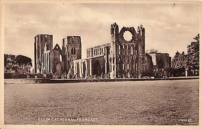 ELGIN - Scotland - Vintage Postcard of the Cathedral