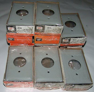 (18) Wiremold G-3027AE single receptacle plate