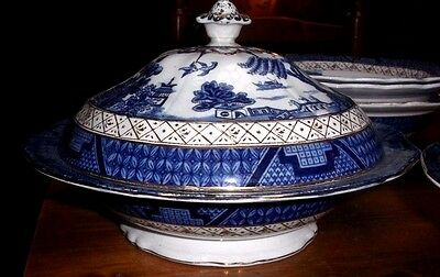 """Booths """"Real Old Willow"""" Wide Serving Tureen"""
