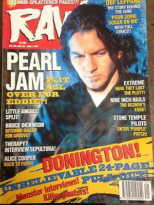 Raw No.150 May 25 - June 7 1994 Pearl Jam Alice Cooper Extreme Nine Inch  Nails
