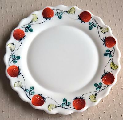 Country Chic Milk Glass HAND PAINT Strawberry Plate Dish Westmoreland Shabby VTG