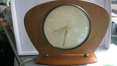 Vintage Smiths Electric Wooden Mantle Clock *working*