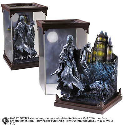 Noble Collection  Harry Potter Magical Creatures Statue Dementor  19  cm