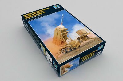 TRUMPETER 01040 - 1/35 US M901 LAUNCHING STATION w/ MIM-104F PATRIOT SAM -NEU