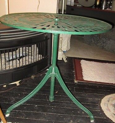 "Antique Outdoor Cast Iron Table Round JH Best Galva ILL. 30"" round"