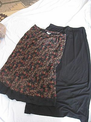 lot of 2 XL maternity skirts Motherhood maternity and In Due Time black floral