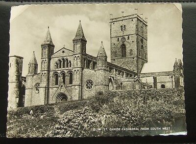 Postcard : Real Photo : Wales : St Davids Cathedral, Pembrokeshire : Unposted
