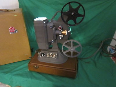 DeJur U.S.A 8mm Movie Projector, Model 750 - (Tested and Working)