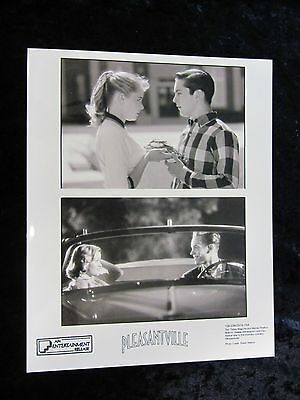 PLEASANTVILLE original press photo # 2 REESE WITHERSPOON, TOBEY MAGUIRE