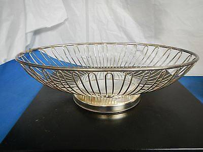 International Silver, Silverplate Footed oval Fruit and Bread Wire Basket, GUC