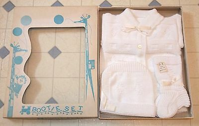 New Vintage 1960s BABY Gift Set- WHITE KNIT SWEATER, BOOTIES & HAT in Box infant