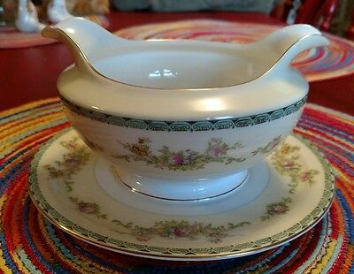 Meito China Cream & Floral Pattern Japan Gravy Boat w/Attached Underplate FShip