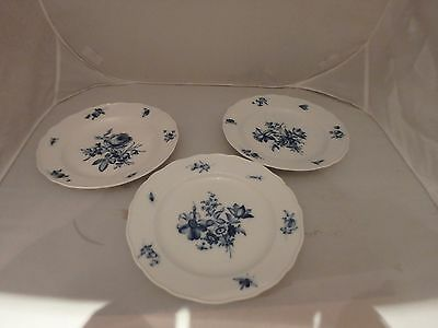 """Meissen Blue & White Botanical Pattern 9.75"""" Plates X 3, Flowers & Insects"""
