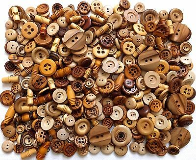 Lot 1 Lb Pound All Wood Sewing Button Some Carved
