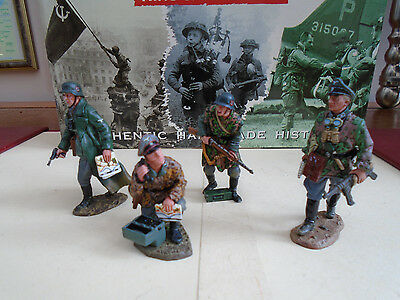 ( 2 ) K&c 4 German Soldiers  Rom The Wwii Range   (2000-2004)
