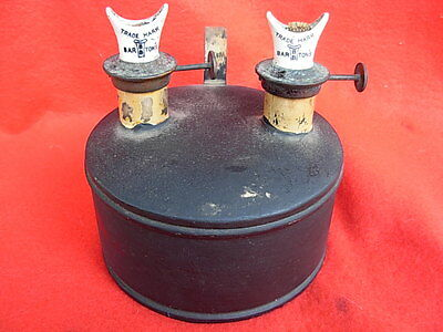Ancienne Et Rare Lampe A Petrole Marquees Bartons