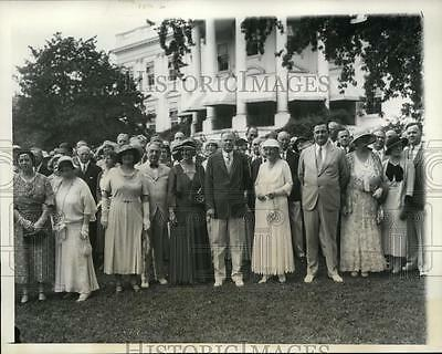 1932 Press Photo President Herbert Hoover at White House Luncheon in Garden