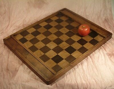 Antique wooden inlaid chess board / European draughts