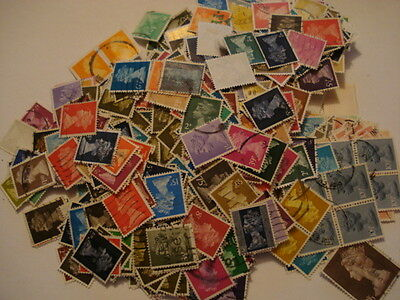 British Machin Stamps 90grams (2000+ Stamps)