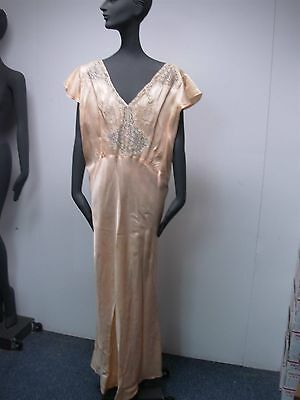 """VINTAGE 1930s PEACH SATINY with LACE LADIES FULL LENGTH NIGHTGOWN ~ GORGEOUS 46"""""""