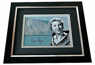 Dame Vera Lynn Signed 10x8 FRAMED Photo Autograph Display WW2 Forces Music & COA