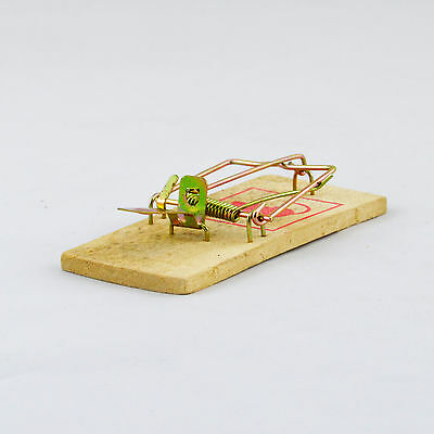 4 x Wooden Mouse Trap Reusable Traditional Classic Mice Rat Rodent Spring