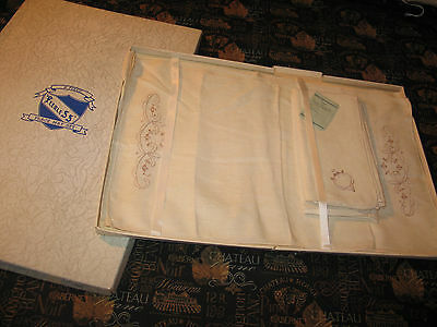 NOS Vintage 8 Piece Linen Embroidery Napkins & Placemats Original Box Peerless