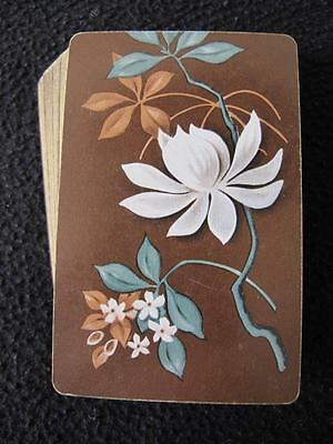 VINTAGE 1930's PACK DECK of PLAYING CARDS - WHITE FLOWERS