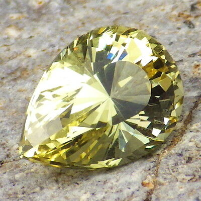 APATITE-MEXICO 4.33Ct FLAWLESS-FOR TOP JEWELRY-LIVELY YELLOW GREEN COLOR!