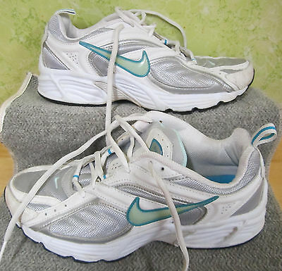 Nike 8, 39 White Blue Gray Sneakers Running Shoes 311905-042