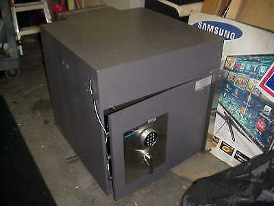 Large Meilink Safe Gary - C Rated -  Drop Off Box  On  Back ---Over 500  Lbs