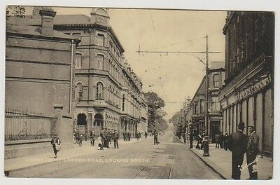 Suffolk postcard - Lowestoft, London Road, Looking North