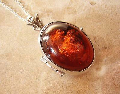 BEAUTIFUL SILVER & NATURAL AMBER LOCKET PENDANT & CHAIN - COGNAC FIRE AMBER 8.8g