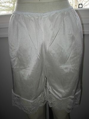VINTAGE bright white slip panties bloomers knickers BOTTOMS wide lace EDGE s M