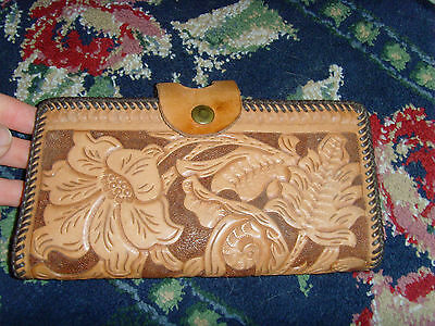 Vintage leather tooled floral cowboy cowgirl western chic pocketbook snap shut