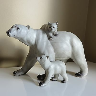 Polar Bear Figurine Mom Walking With 2 Cubs Resin Northern Bears New 10.4 Inx6.5