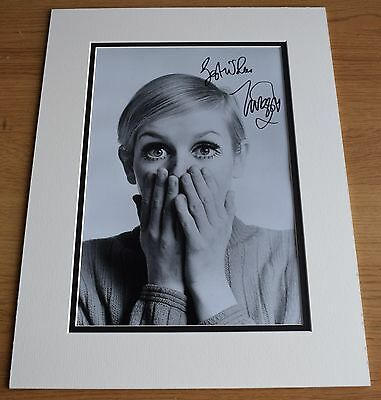 Twiggy Lawson SIGNED autograph 16x12 LARGE photo display 60's Model Fashion COA