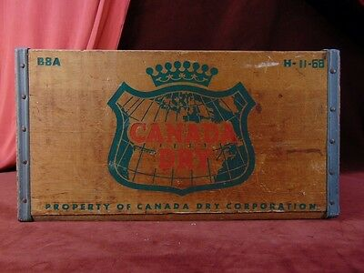 Vintage 1968 CANADA DRY GINGER ALE Metal Edged WOOD CRATE Soda Bottle Box