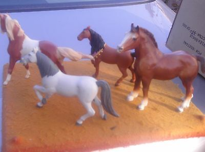 Lot Of 4 Breyer Horses