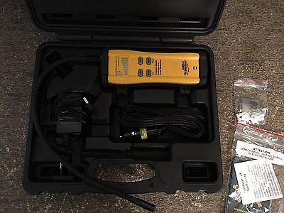 *PERFECT* Fieldpiece SRL8 Heated Diode Refrigerant Leak Detector with Case