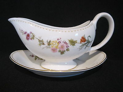 Wedgwood - MIRABELLE R4537 - Gravy Boat and Stand